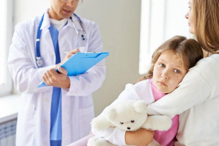 Причины геморроя у детей